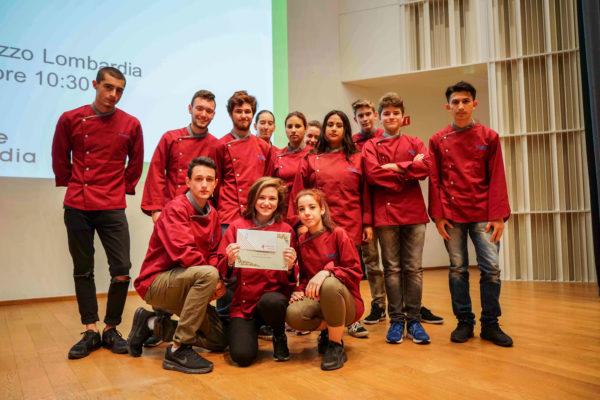 Studenti della scuola orafa di Galdus_tn