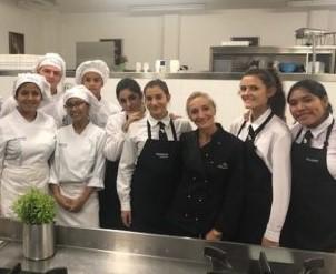🔹chef rita monastero con i nostri studenti dei corsi di cucina e